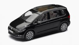 VW model Touran 1:43, črn (5TB099300  C9X)